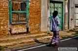 kochi_bazaar_road_a_les_murs-1b