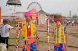 tarnetar_parapluies_et_beaux_costumes-5